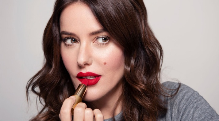 MUA Lisa Eldridge applying lipstick